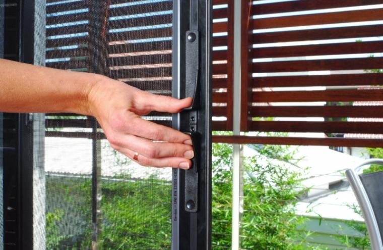 Fly screens retractable double cassette prahran melbourne for Retractable fly screens french doors